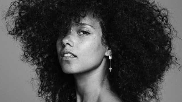 Alicia Keys: 39 anos do ícone musical e embaixadora da beleza natural