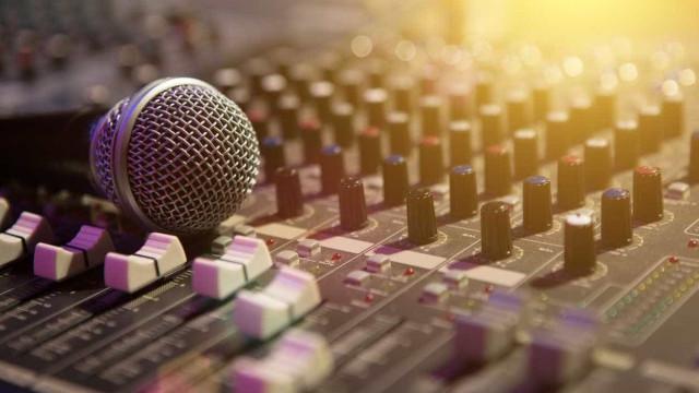 Cassete Pirata expõem-se em 'A montra', o álbum de estreia