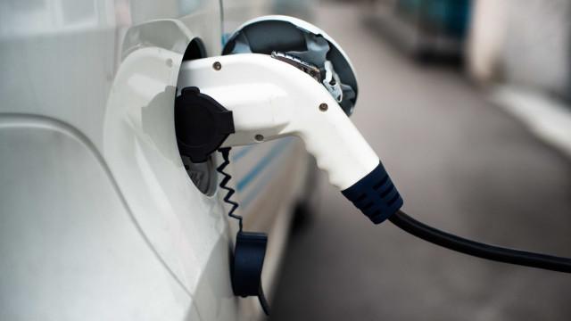 Carros elétricos poluem mais? Alemanha diz que sim