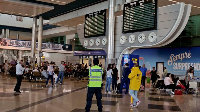 Rouba carteira com mil euros de passageiro do Aeroporto de Lisboa