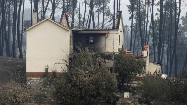 """Pedrógão: """"Falta transparência"""" e foram intervencionadas 90 casas a mais"""