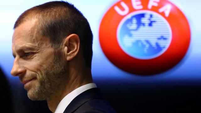 UEFA: Cada Federação vai decidir o campeão mas... há tempo limite