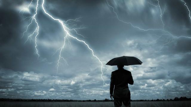 Vem aí a depressão Lola. Traz chuva, trovoada, vento e agitação marítima