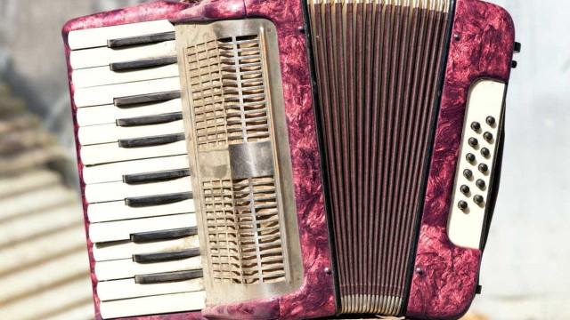 Aldeia de Porto de Mós vai receber 500 tocadores de concertina