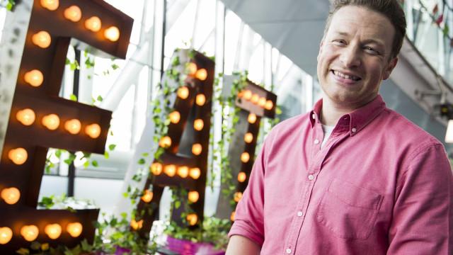 Império de Jamie Oliver entra em colapso. Mil empregos em risco