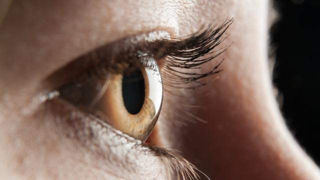 Cientistas conseguiram devolver visão a mulher de 57 anos