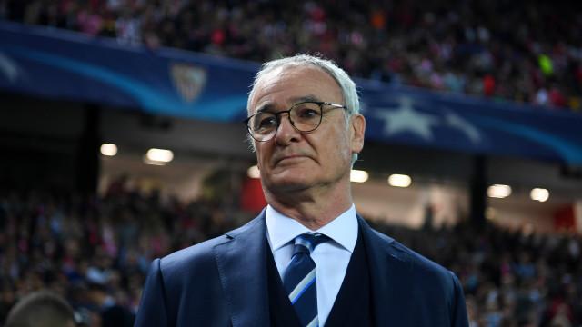 Ranieri está de volta a Inglaterra e este é o melhor onze que orientou