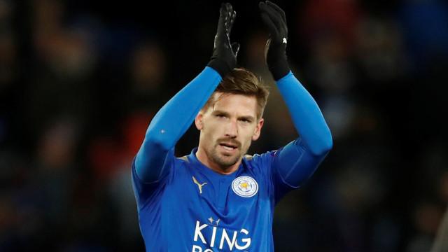 Treinador deixa o aviso: Adrien pode estar de saída do Leicester