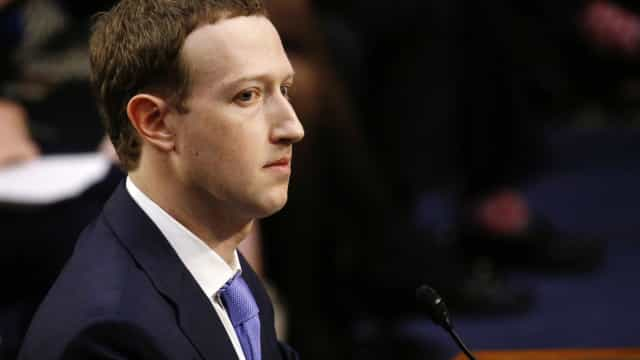 "Facebook pagou 4,2 mil milhões para ""proteger"" Zuckerberg de escândalo"