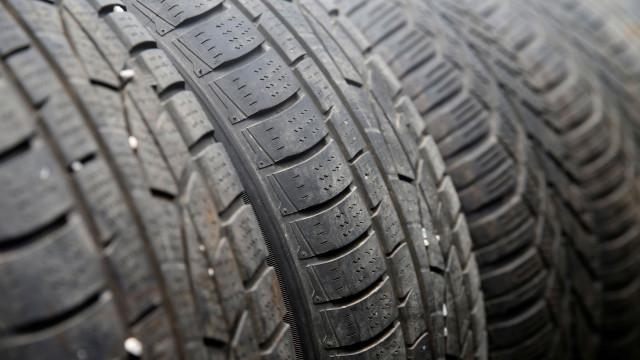 Ainda não trocou os pneus do seu carro? Saiba quando o deve fazer