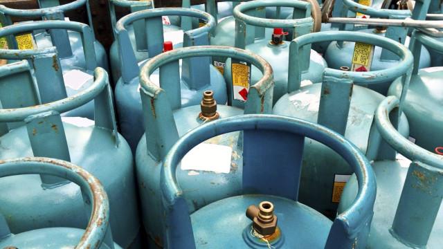 Governo limita preços do gás de garrafa. Estes são os valores máximos