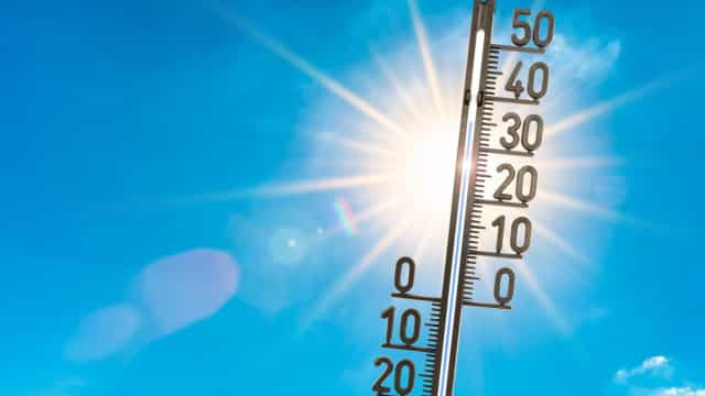 Calor já começa a 'apertar' e deixa concelhos em risco máximo de incêndio
