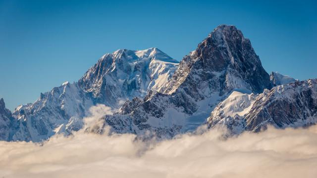 Três mortos em queda de avião nos Alpes suíços
