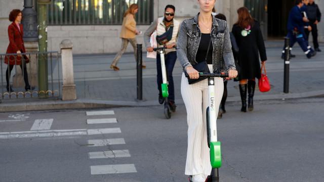 Andar de trotinete fica mais barato. Lime baixa preço em Lisboa