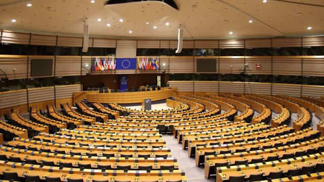 Conselho da Europa rejeita grupo parlamentar de extrema-direita