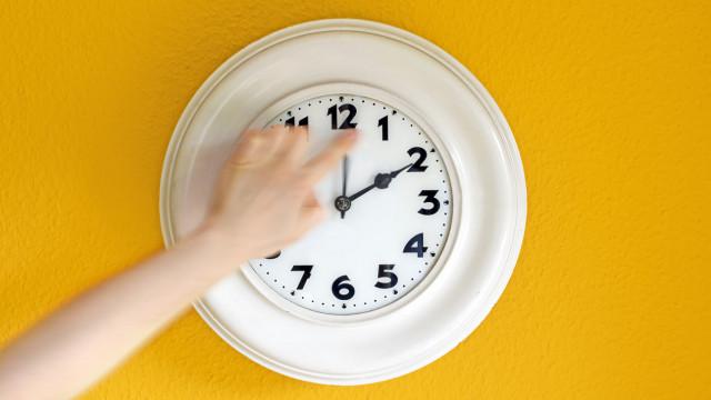 Não se esqueça de atrasar o relógio! Hora muda este fim de semana