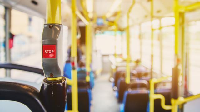 Covid-19: Passageiro infetado obriga a parar autocarro em Braga