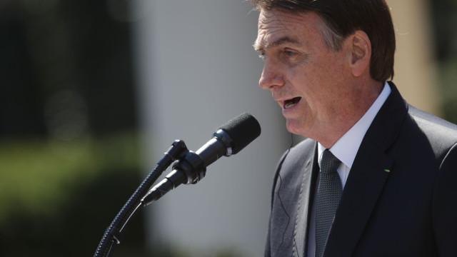 Bolsonaro acusa ONG de provocar incêndios na Amazónia para prejudicá-lo