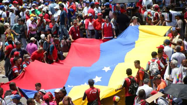 Embaixador venezuelano em Itália demite-se em carta a Maduro