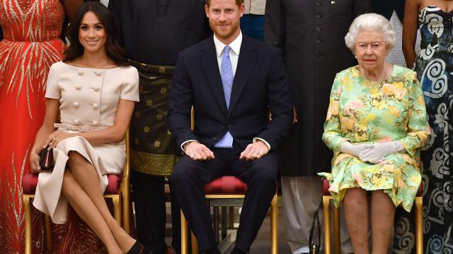 Príncipe Harry e Meghan Markle dão presente especial à rainha Isabel II
