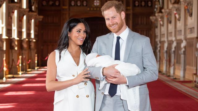Harry e Meghan Markle planeiam viajar com filho para África