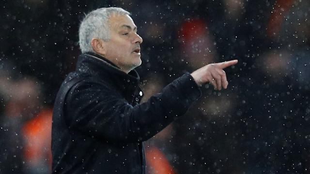 'Dança de bancos': Mourinho deve voltar ao ativo nos próximos dias