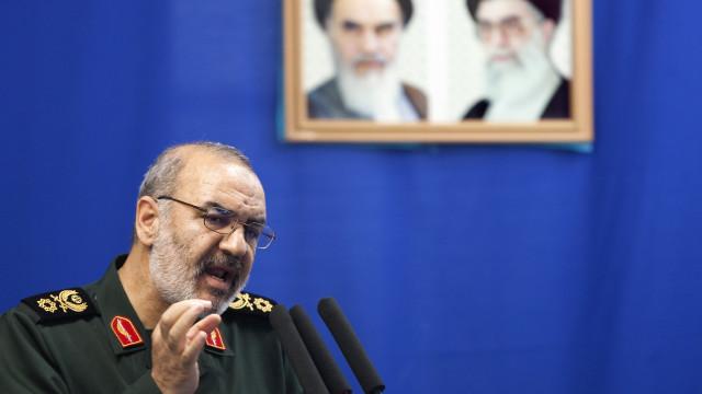 Forças da Guarda Revolucionária iraniana apresam petroleiro estrangeiro