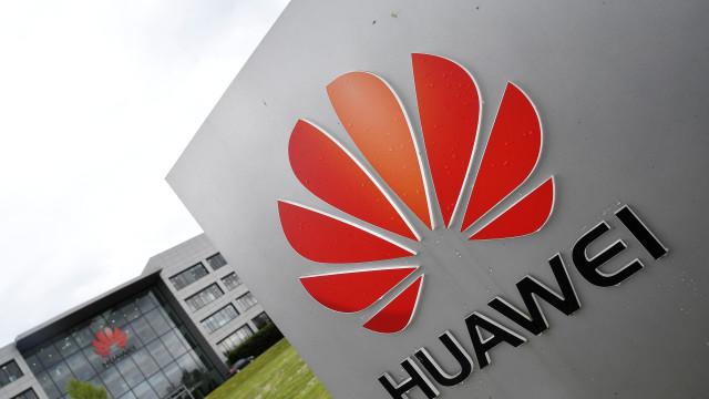 Huawei assegura que cooperação com Panasonic não foi afetada