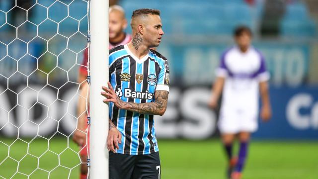 Sporting e FC Porto já apresentaram proposta por avançado do Grémio