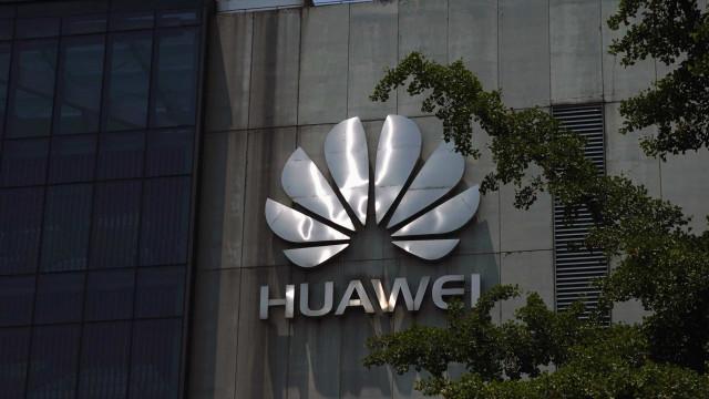 Huawei promete defender-se das acusações dos EUA