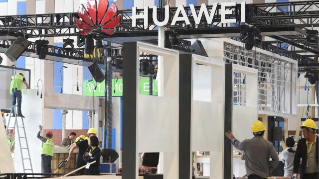 """Tem um Huawei? """"Não tome decisões precipitadas"""" e aguarde, diz a DECO"""