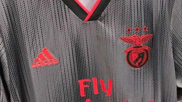 Eis o (muito provável) novo equipamento alternativo do Benfica
