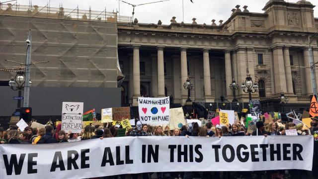 Jovens de quase todo o planeta exigem combate às alterações climáticas