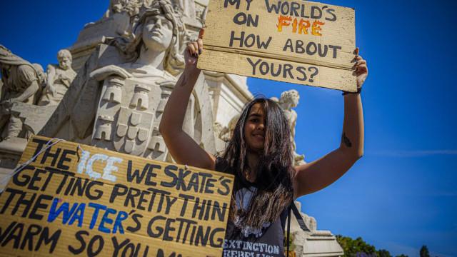 Greve: Milhares de jovens (voltaram) a sair às ruas em defesa do Planeta
