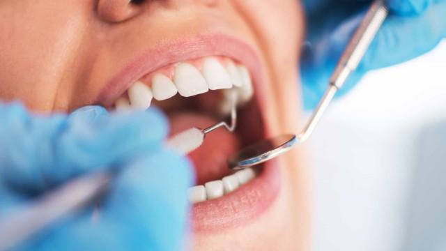 Criadas em Coimbra luvas com sensores para o ensino da medicina dentária