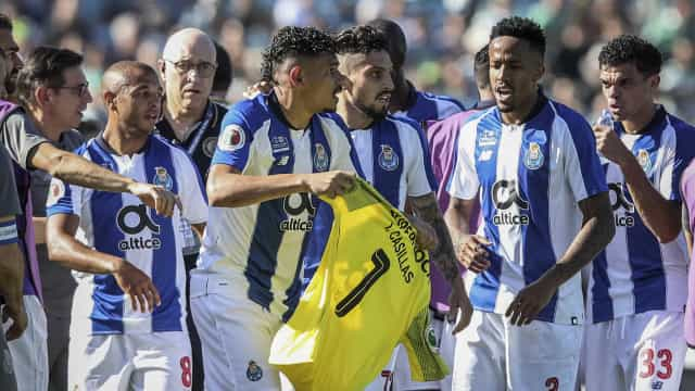 Soares deixa pedido de desculpa aos adeptos e a Casillas