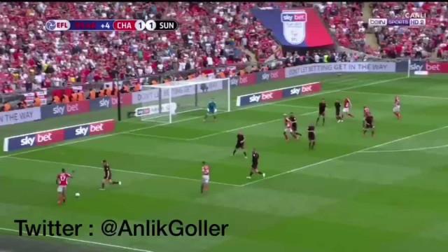 Charlton marca no último minuto de descontos e fecha subida de divisão