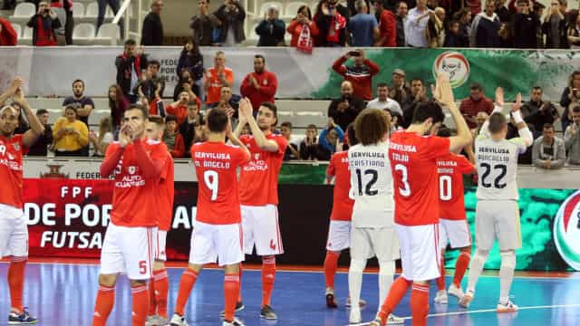 Benfica marca encontro com o Sporting na final do playoff de futsal