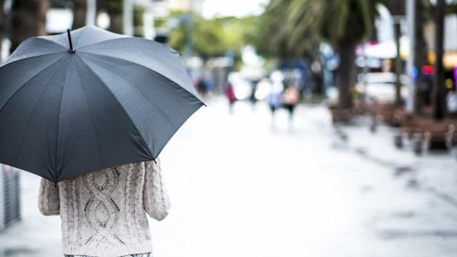 Em dias de chuva, não fique com os cabelos em pé (literalmente)