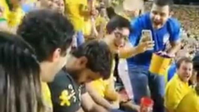 Adepto brasileiro adormece em jogo da Copa América e imagens correm mundo