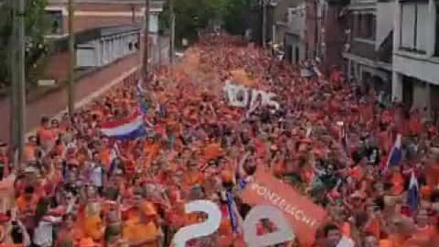 Mundial: A incrível festa holandesa antes da partida frente aos Camarões
