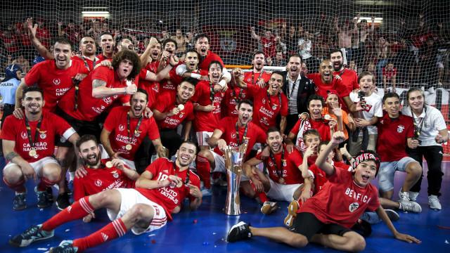 Benfica faz a 'reconquista' também no futsal. Eis as imagens da festa