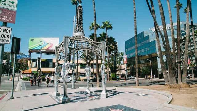 Estátua de Marilyn Monroe roubada do Passeio da Fama em Hollywood