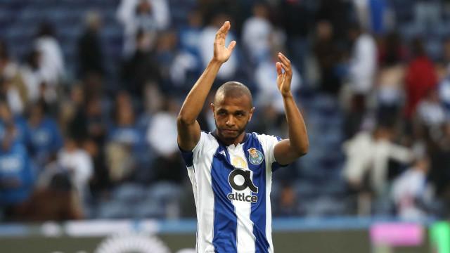 Brahimi rompe silêncio e fala sobre a sua situação no FC Porto
