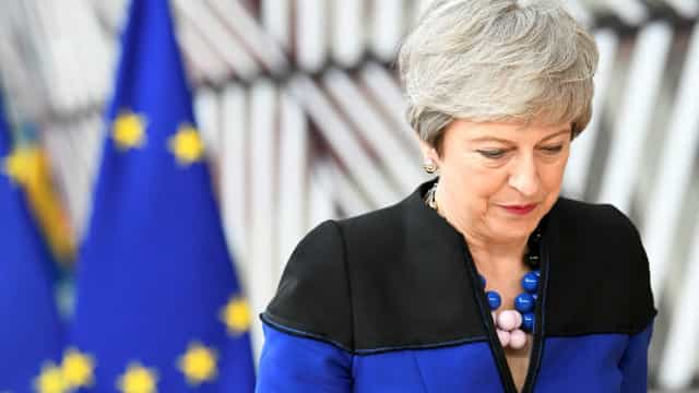 "May preocupada com ""absolutismo"" na política britânica que impediu Brexit"