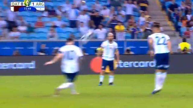 O falhanço de Messi em frente à baliza de que toda a gente está a falar