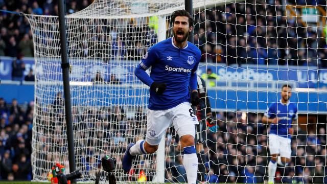 Agora sim, é jogador do Everton: Barcelona vendeu André Gomes