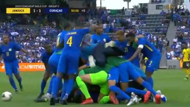 Gold Cup: Curaçau consegue apuramento histórico com golaço aos 90+3'