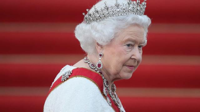 Revelada carta inédita escrita por rainha após a morte da princesa Diana