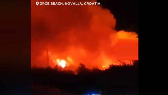 Festival na praia na Croácia evacuado devido a incêndio